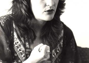 1980 Hierdie is een van die foto's in 'n reeks wat gebruik was by 'n artikel oor my as Jana Cilliers se 'spookstem' vir die reeks 'Phoenix en Kie', waarin ek 'Kinders van die Wind' gesing het.